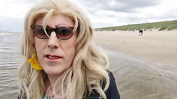 Beach walk, mini Vlog